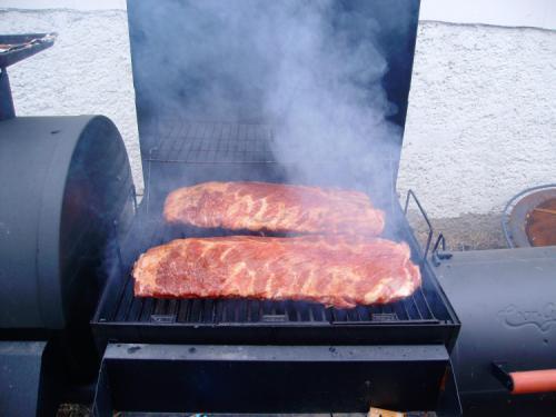 Smokin' some ribs